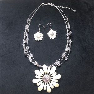Flower earrings and necklace